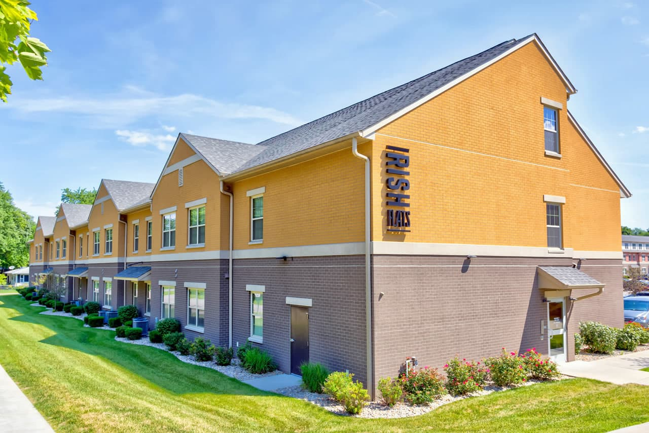 irish-flats-apartments-notre-dame-south-bend-in-1
